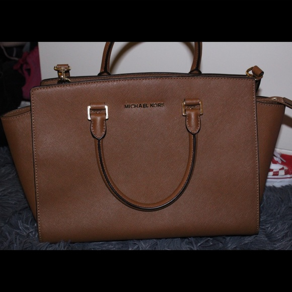 944230c3ae398e Michael Kors Selma large saffiano leather satchel.  M_5ba46826c617776b08394707